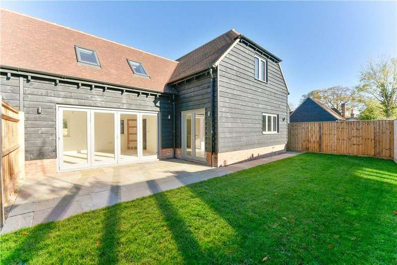 4 Bedrooms Semi Detached House for sale in Burwood Court, Brook End, Weston Turville, Buckinghamshire