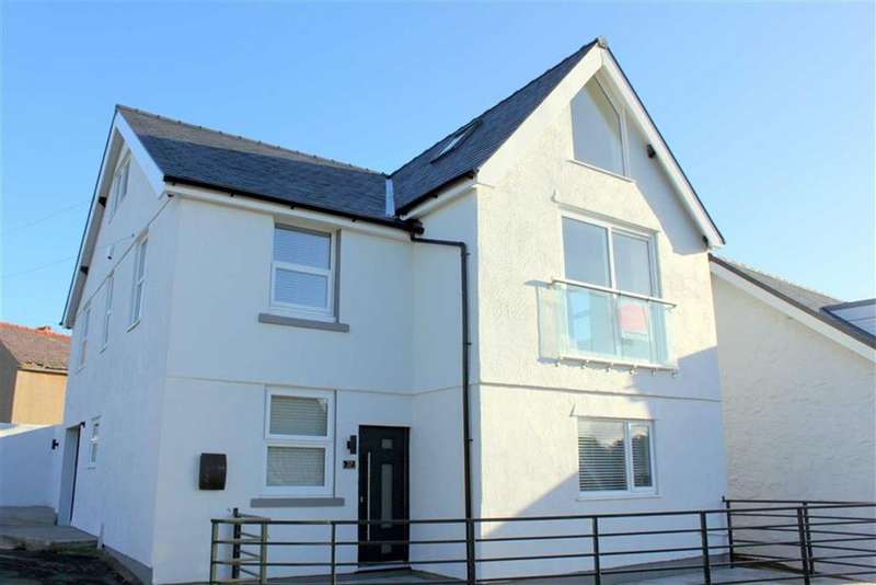 4 Bedrooms Detached House for sale in Ty Mawr Road, Deganwy, Conwy