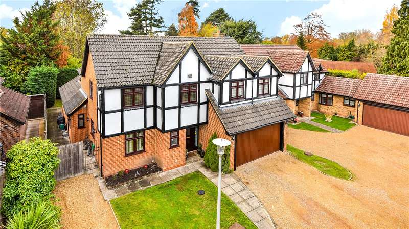 5 Bedrooms Detached House for sale in Ford End, Denham, Buckinghamshire, UB9