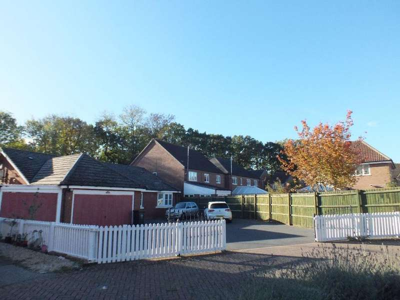 4 Bedrooms Bungalow for sale in Rockery Close, Humberstone, Leicester, LE5 4DQ