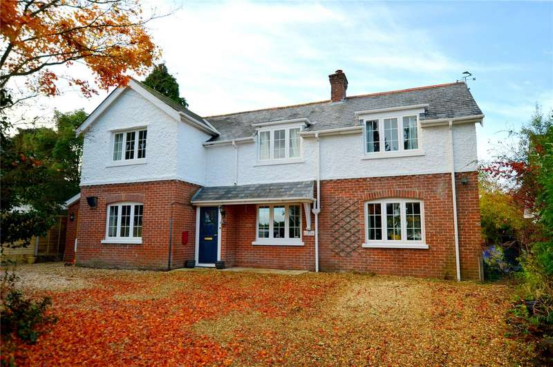 4 Bedrooms Detached House for sale in Lake Road, Verwood, BH31