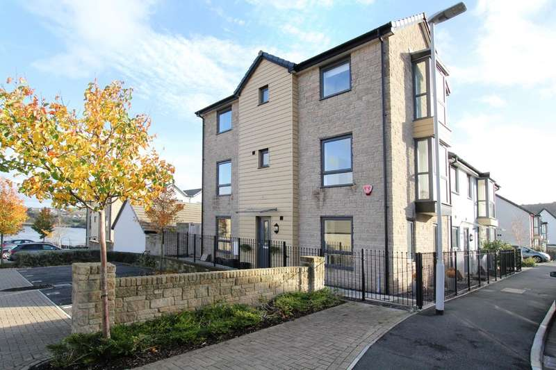 3 Bedrooms Town House for sale in Hooe, Plymouth