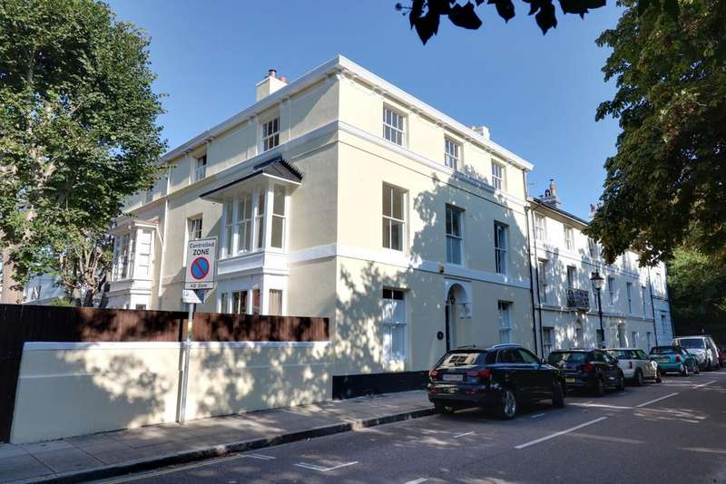 4 Bedrooms Town House for sale in Queens Crescent, Southsea