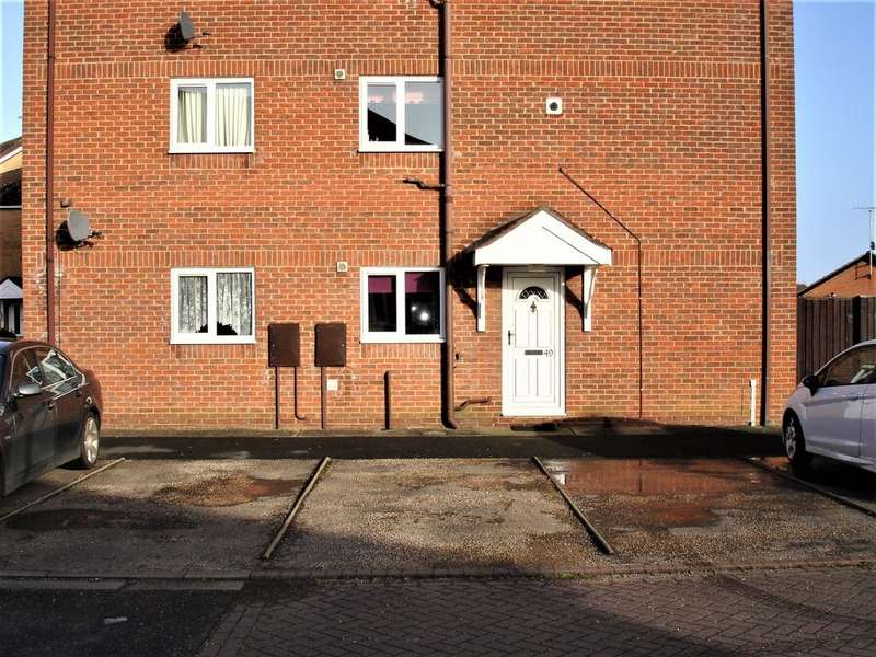 2 Bedrooms Apartment Flat for sale in The Hollies, Holbeach
