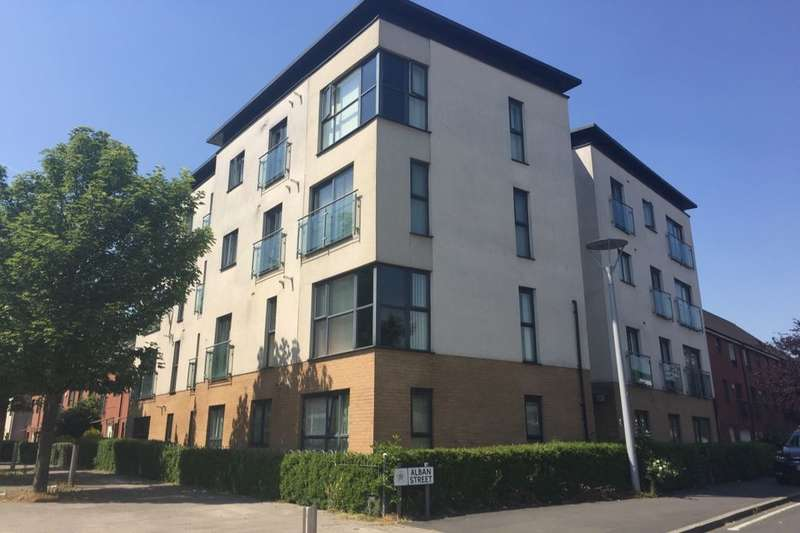 3 Bedrooms Flat for sale in Alban Street, Salford, M7