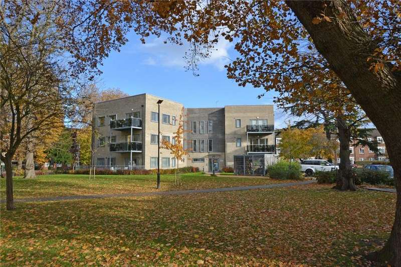 2 Bedrooms Flat for sale in Collier Court, Cambridge Drive, Lee, London, SE12