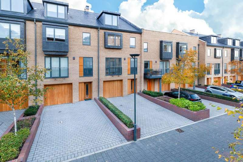 4 Bedrooms Town House for sale in Kingsley Walk, Cambridge, CB5