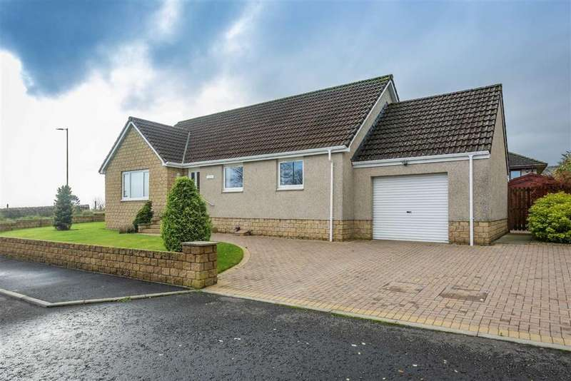 3 Bedrooms Bungalow for sale in Glenisla View, Alyth