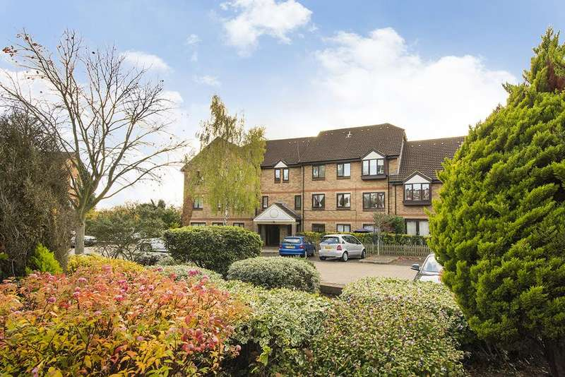 1 Bedroom Flat for sale in Deanery Close, East Finchley, London N2