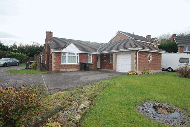 3 Bedrooms Detached Bungalow for sale in St. Ives Close, Tollesby Hall