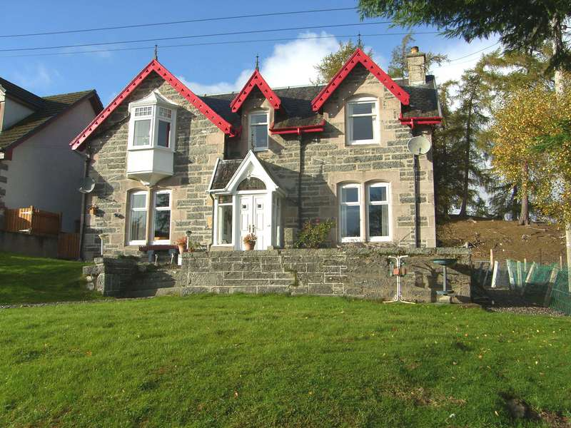 5 Bedrooms Detached House for sale in By Kingussie, PH21 1LT