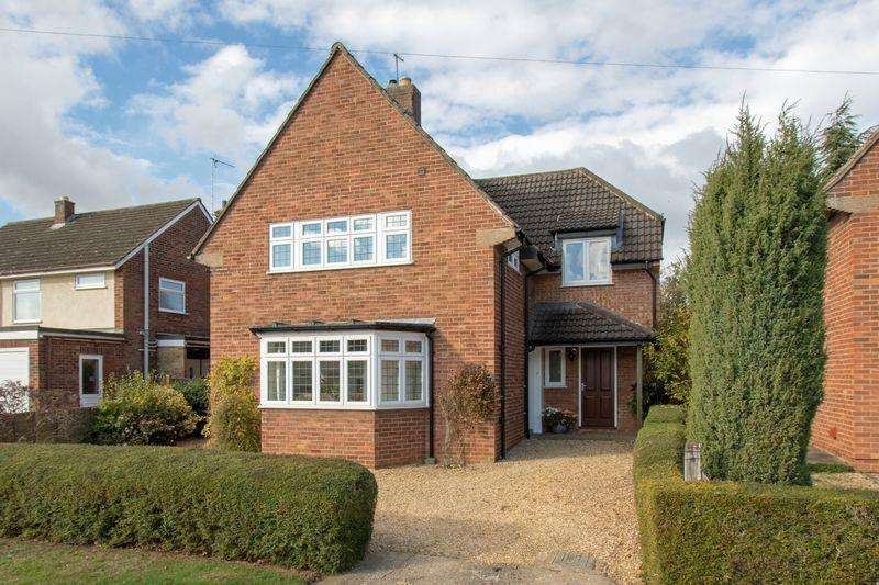 4 Bedrooms Detached House for sale in Beverley Gardens, Stamford