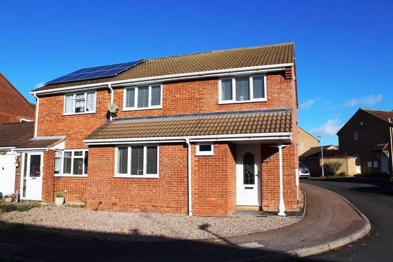 3 Bedrooms Semi Detached House for sale in Westell Close, Baldock, SG7