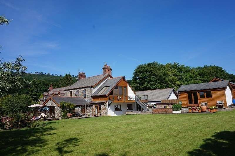 4 Bedrooms Detached House for sale in Tyllwyd Road, NEATH, West Glamorgan. SA10 7DX