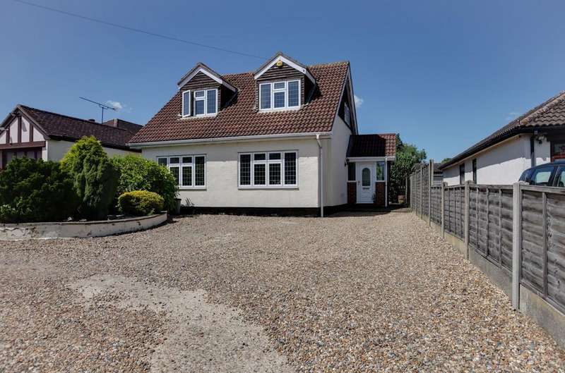 4 Bedrooms Detached House for sale in Hamlet Hill, Roydon