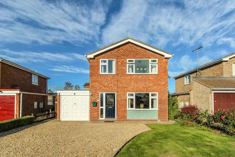 3 Bedrooms Detached House for sale in Western Avenue, Holbeach