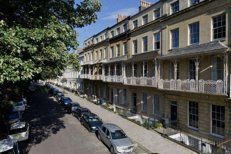 2 Bedrooms Apartment Flat for sale in HFF, 8 Caledonia Place, Clifton Village, Bristol, BS8 4DH