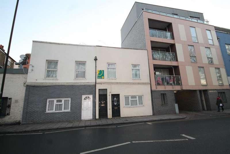 2 Bedrooms Flat for sale in Albert Road, London, E16 2JD