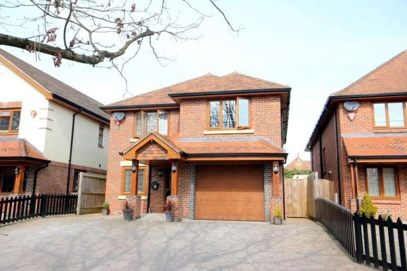 4 Bedrooms Detached House for sale in Avenue Road, Walkford, Christchurch, Dorset, BH23