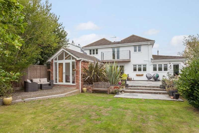 4 Bedrooms Detached House for sale in Borrow Road, Oulton Broad