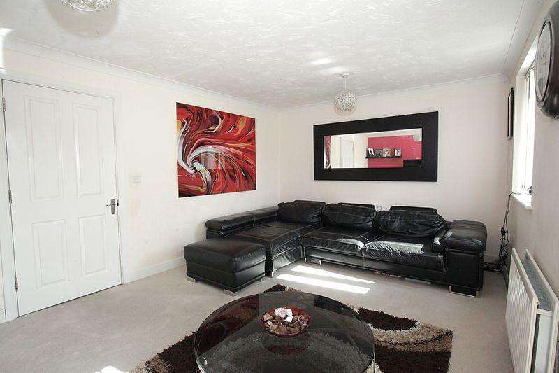 4 Bedrooms Terraced House for sale in ***Attention All London Commuters***