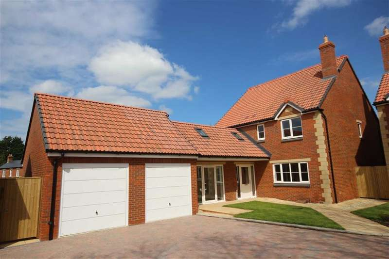4 Bedrooms Detached House for sale in Station Road, Purton, Wiltshire
