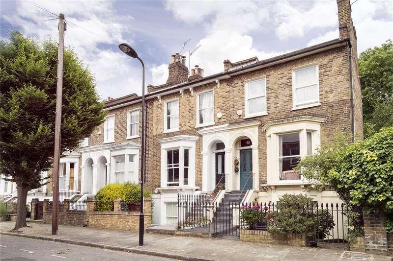 2 Bedrooms Flat for sale in Edenbridge Road, London, E9
