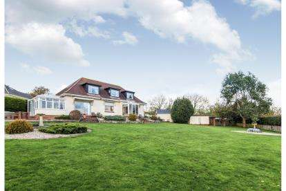 5 Bedrooms Detached House for sale in Pinhoe, Exeter, Devon