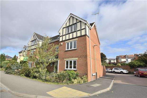 4 Bedrooms Semi Detached House for sale in London Road, Charlton Kings, Cheltenham, Gloucestershire, GL52