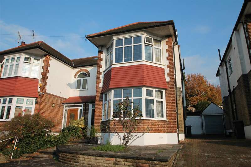 4 Bedrooms House for sale in Ashridge Gardens, London N13