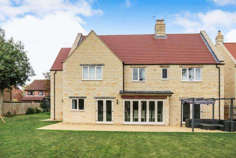 5 Bedrooms Detached House for sale in Baston
