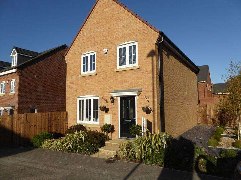 4 Bedrooms Detached House for sale in Bedford Road, Houghton Regis