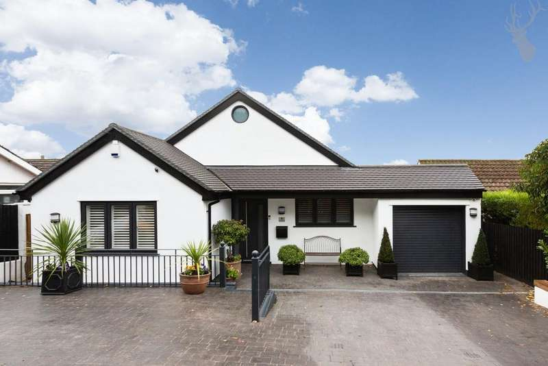 3 Bedrooms Detached House for sale in Homefield Close, Epping, CM16