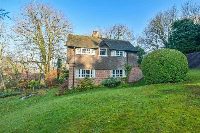 2 Bedrooms Detached House for sale in Thorns Lane, Whiteleaf, Princes Risborough, Buckinghamshire