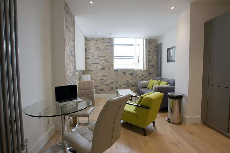 2 Bedrooms Apartment Flat for sale in Carlow House, NW1