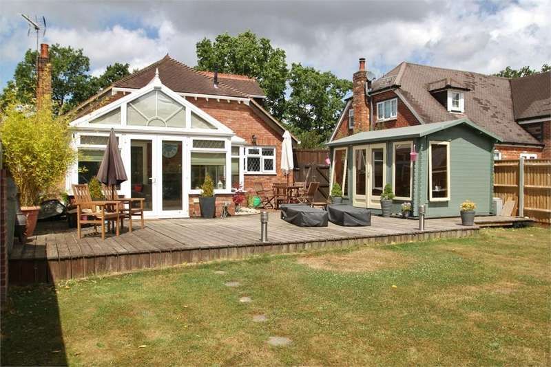 3 Bedrooms Detached Bungalow for sale in Woodlands, Hampshire