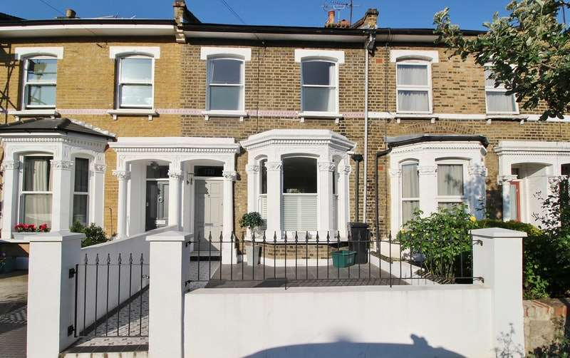 3 Bedrooms Terraced House for sale in St. Thomas's Road, London, N4