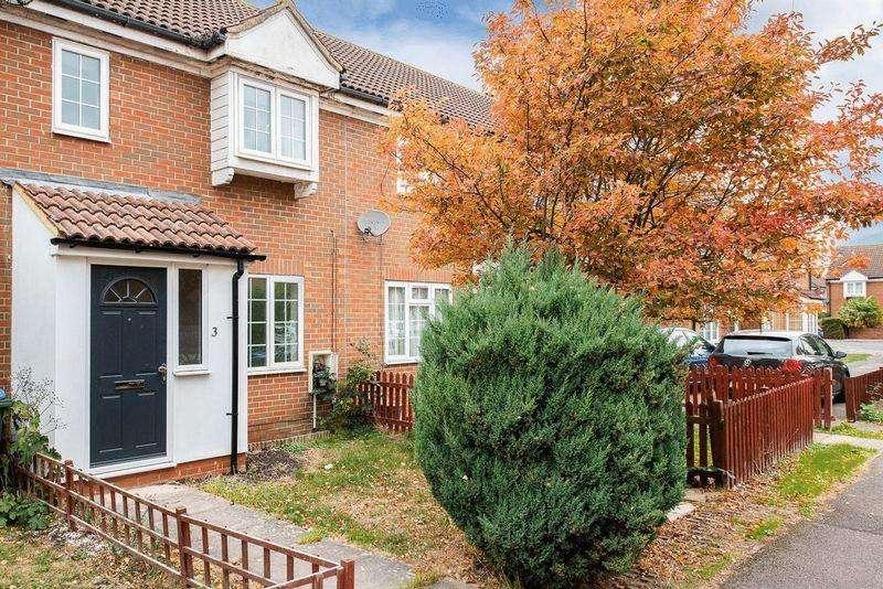 3 Bedrooms Terraced House for sale in Thomson Walk, Aylesbury