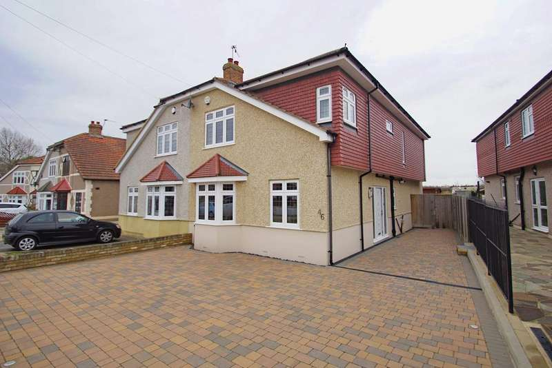 4 Bedrooms Semi Detached House for sale in Elmcroft Avenue, Sidcup, DA15
