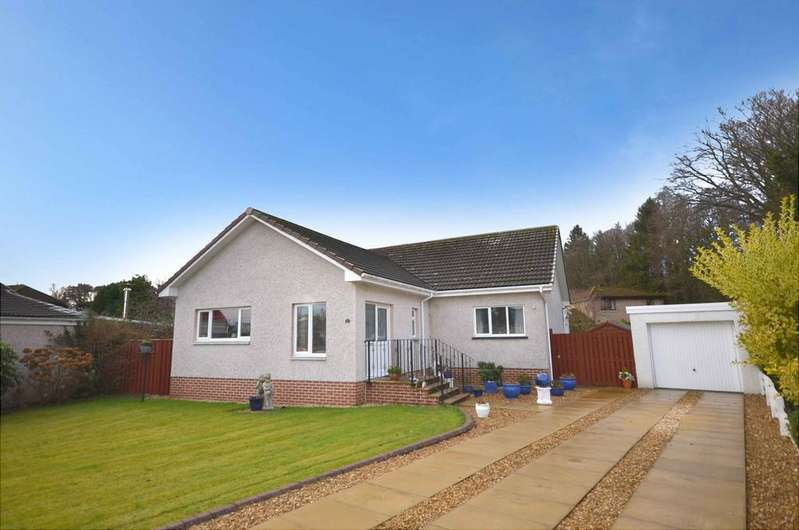 3 Bedrooms Detached Bungalow for sale in 11 St Vincent Crescent, Alloway, KA7 4QW