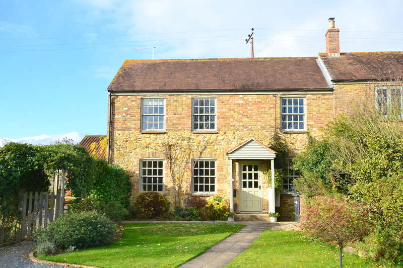 3 Bedrooms Semi Detached House for sale in Maperton, Somerset, BA9