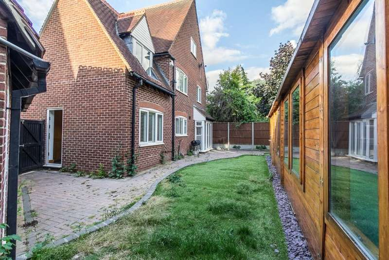 4 Bedrooms House for sale in Church Hill, Epping, CM16