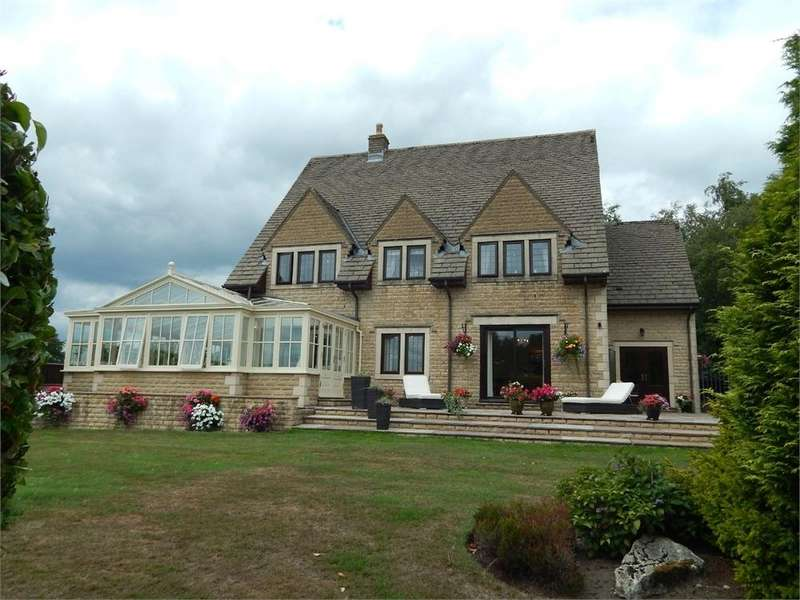 4 Bedrooms Detached House for sale in Bent Lane, COLNE, Lancashire