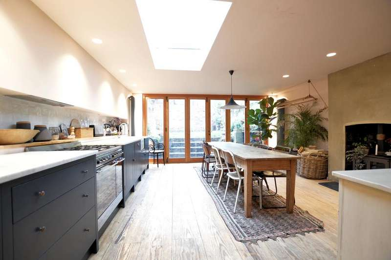 4 Bedrooms Terraced House for sale in Churchill Road, Dartmouth Park, London NW5