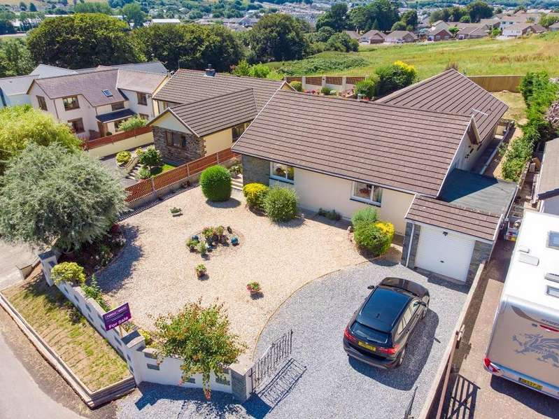 5 Bedrooms Detached Bungalow for sale in Waterloo Road, Pembroke Dock