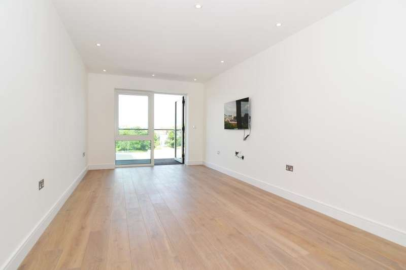 1 Bedroom Flat for sale in Faulkner House, Fulham Reach W6