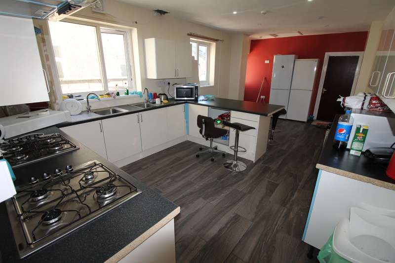 11 Bedrooms House for rent in Glynrhondda Street, Cathays, Cardiff