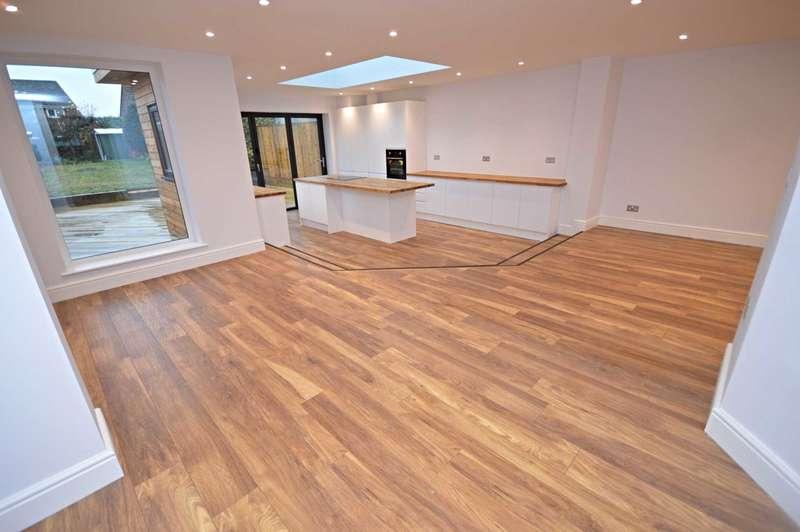 3 Bedrooms Semi Detached House for sale in Longmead Avenue, Hazel Grove