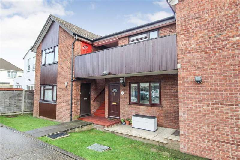 1 Bedroom Flat for sale in Lorne Court, Slough, Berkshire