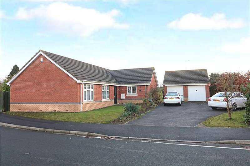 3 Bedrooms Detached Bungalow for sale in Grassholme Way, Eaglescliffe